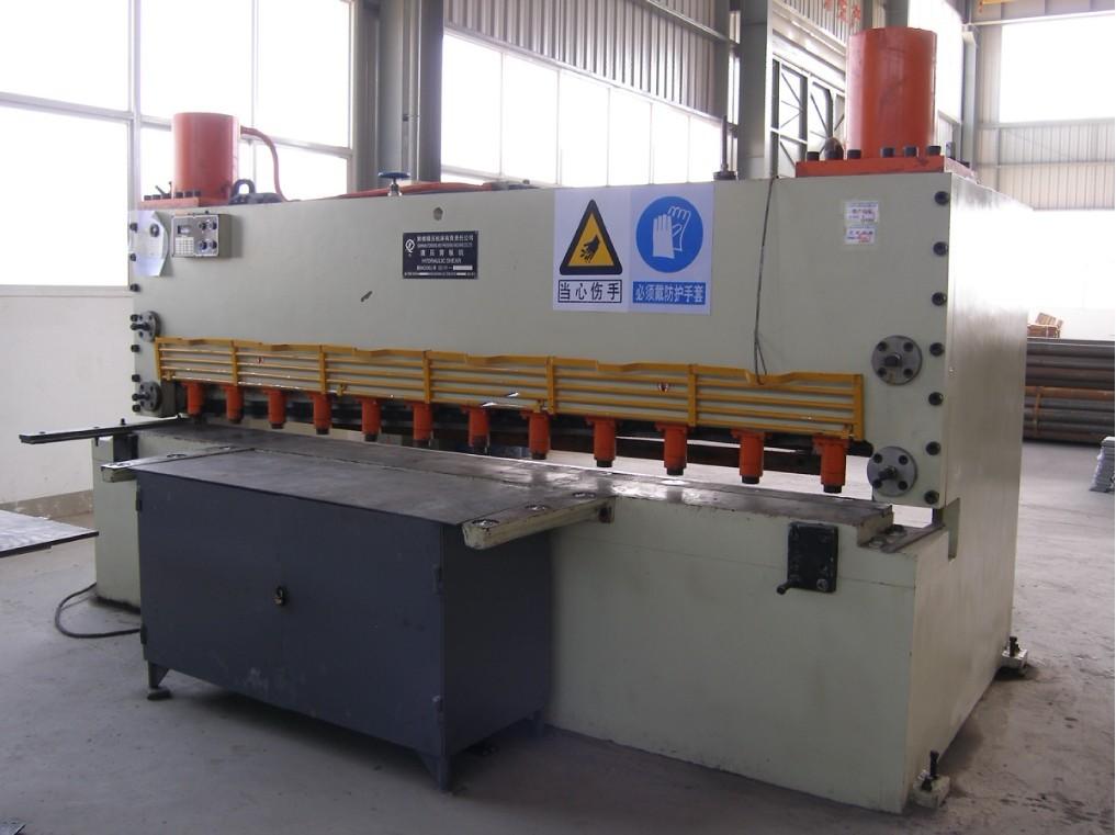 液压闸式剪板机-云南官房钢结构有限公司